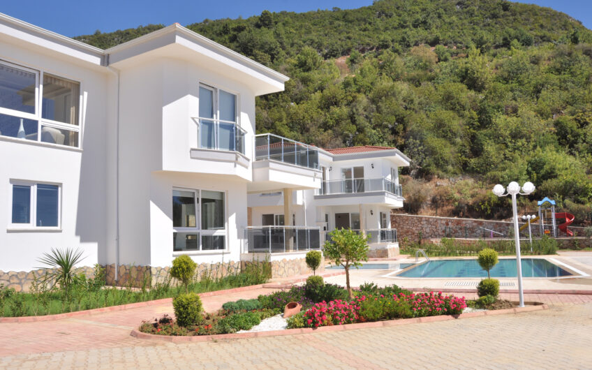 FULLY FURNİSHED FOR SALE 3+1 VİLLA İN ALANYA/ BEKTAŞ