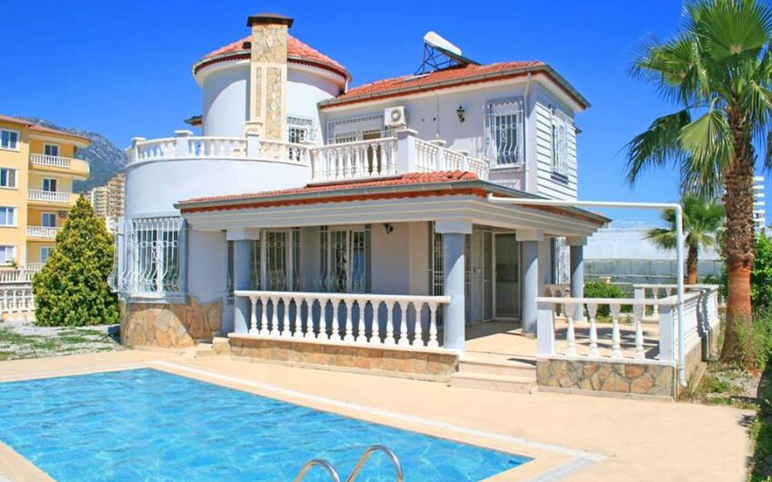 For sale in villa Alanya/ Mahmutlar