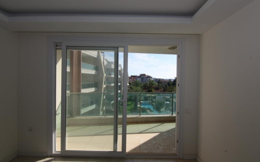 1+1 Apartment for sale in luxury complex Alanya