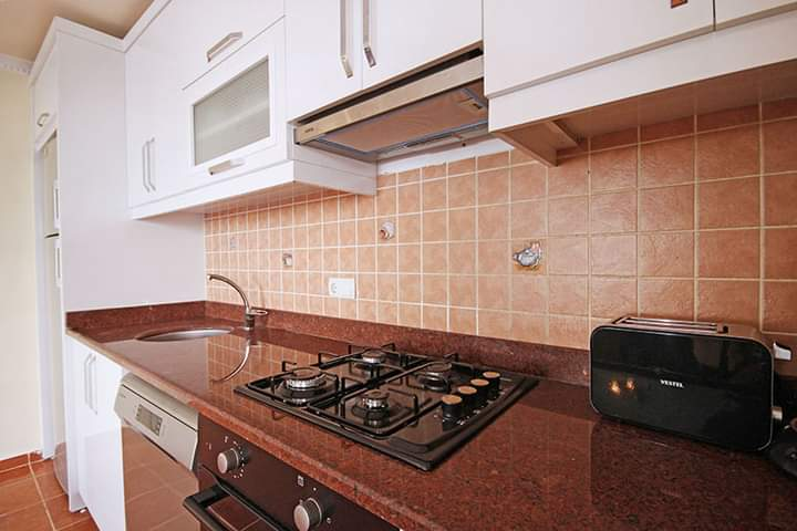 Lovely 2 bedroom apartment, fully furnished apartment in Mahmutlar Alanya,