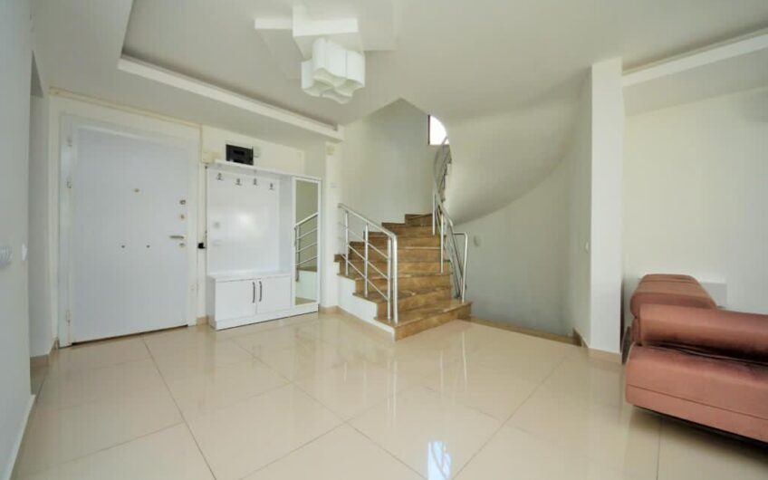 Fully furnished villa for sale in alanya/cetrum