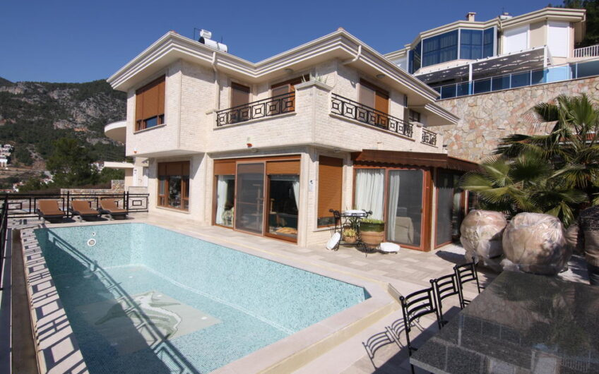 Fully furnished ultra luxury detached villa for sale in Alanya